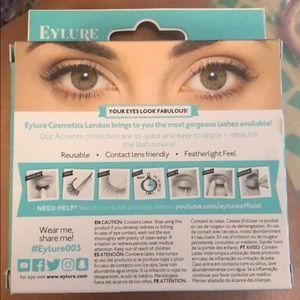 Soap & Glory Makeup - Soap & Glory eyeshadow palette + free eyelashes